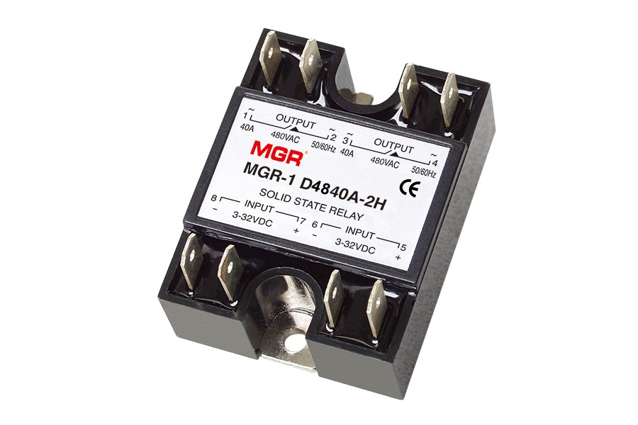 MGR 1D48402H, MGR1D(2H) series DC to AC two channel solid state relay, DC input, AC output, 32VDC, 480VAC, Panel mount solid state relay with metal base, two I/O channels and plug-in terminals